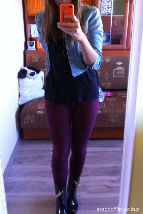 Burgundowe spodnie