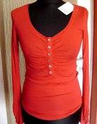 czerwona bluzka z guziczkami na biuście xs