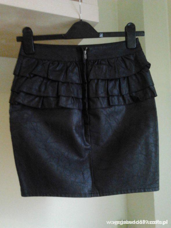 Spódnice spodniczka z baskinka CUBUS