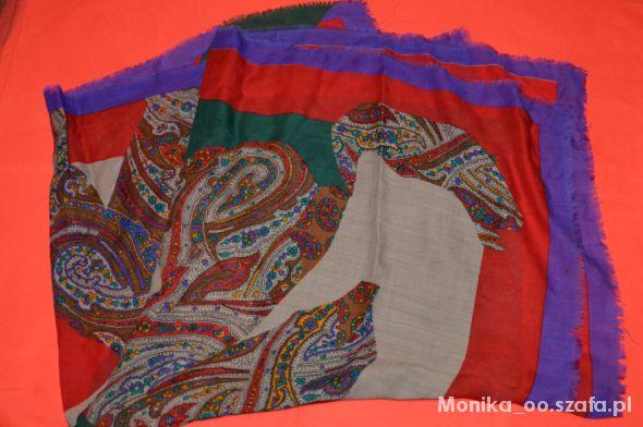 Chusty i apaszki wzorzysta chusta duża