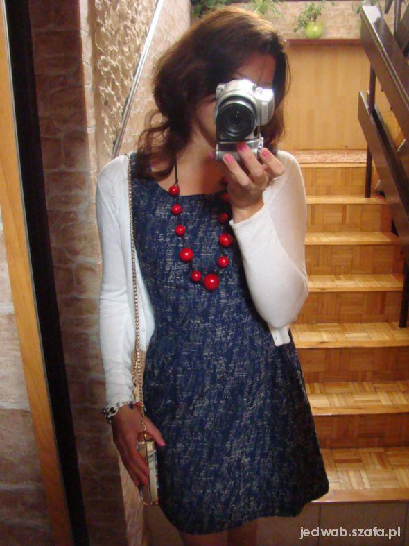 Mój styl Granat i czerwień