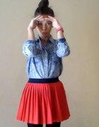 czerwona spodniczkaa...