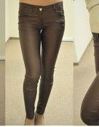 Spodnie a la skóra brązowe
