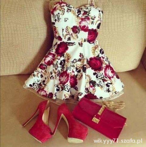 Na specjalne okazje sukieneczka