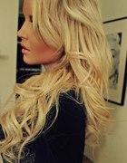 blond fryzura