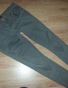 Spodnie khaki 42 44
