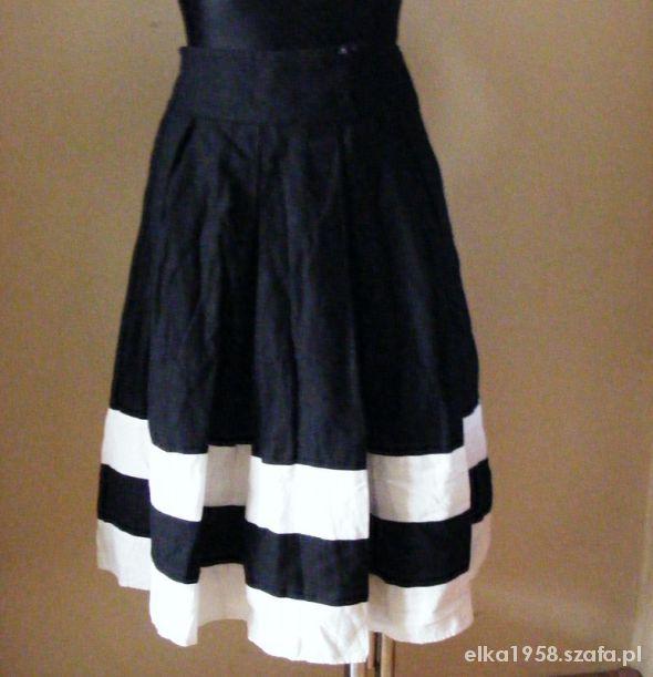 Spódnice Czarno biała spódnica F & F