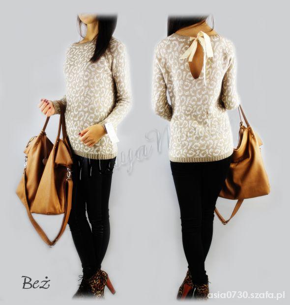 sweterek wiązany z tyłu