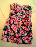 Sukienka w róże NEW LOOK
