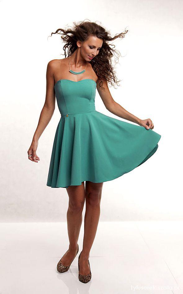 Eleganckie Rozkloszowana sukienka 36