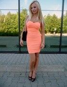 Morelowa sukienka z Tally Weijl