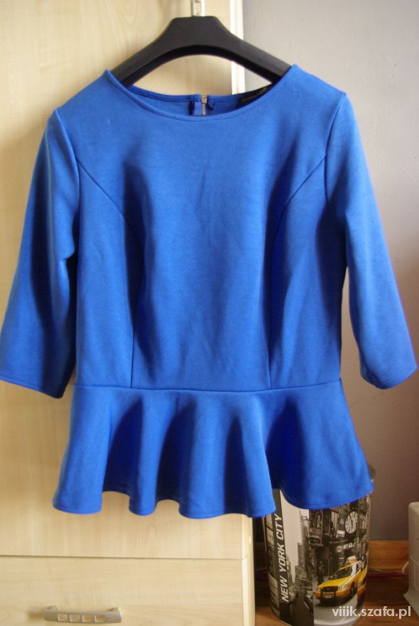 Bluzki niebieska kobaltowa bluzka z baskinka atmosphere