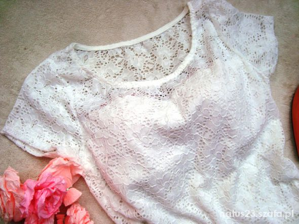 Bluzki biała bluzeczka z baskinką