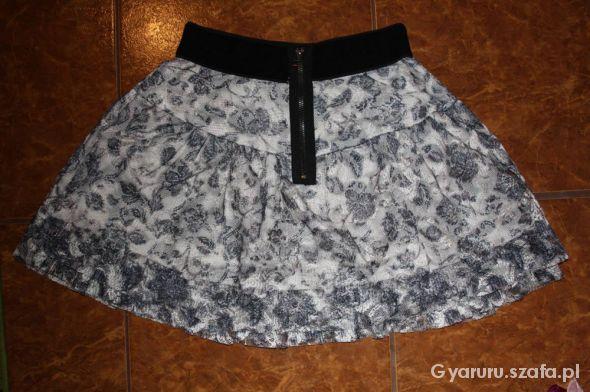 Spódnice Spódnica na gumce w kwiatki czarnobiała