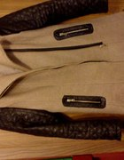 Piekny płaszcz skórzane rękawki