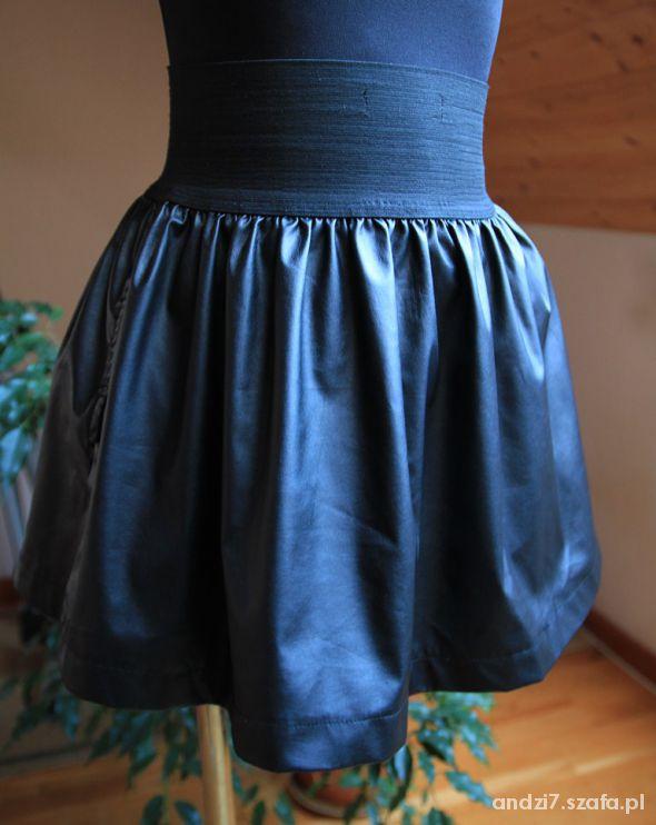 Spódnice Spódniczka skórka na gumce