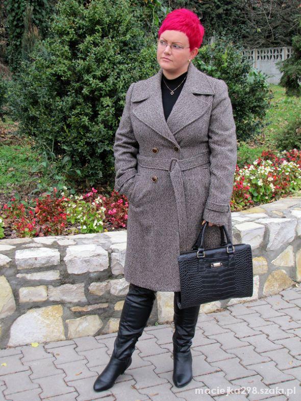 Do pracy jesienny płaszcz