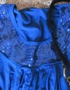 Niebieska bluzka cekiny