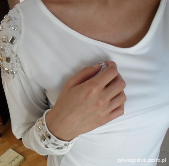 Bluzki bluzka z kamieniami nude