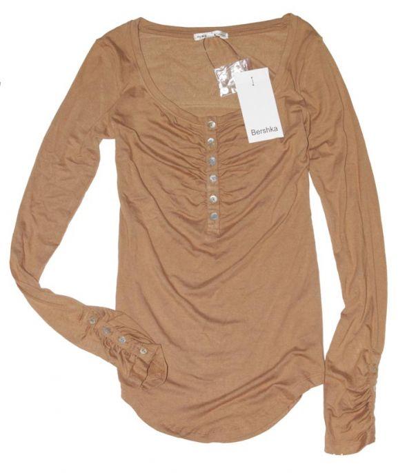 Bluzki BERSHKA bluzka LONGSLEEVE camel dekolt GUZICZKI