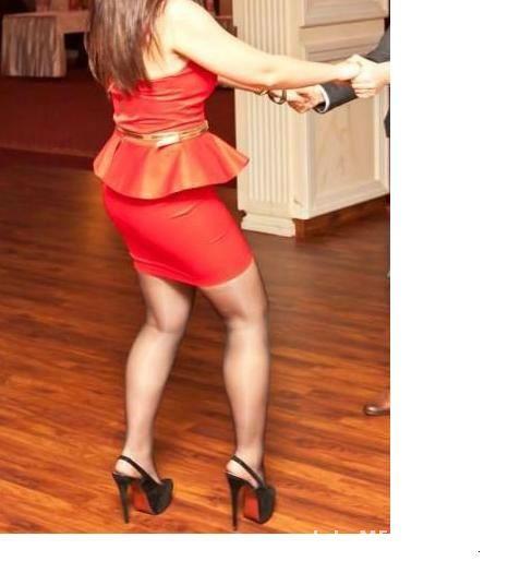 b60dd534c3 sukienka z baskinką czerwona jak nowa M w Suknie i sukienki - Szafa.pl