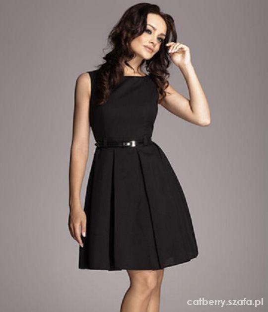 sukienka czarna rozkloszowana Figl lub podobna...