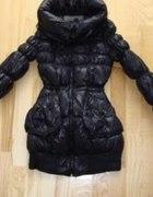 RESERVED płaszcz CZARNY METALIC pikowany