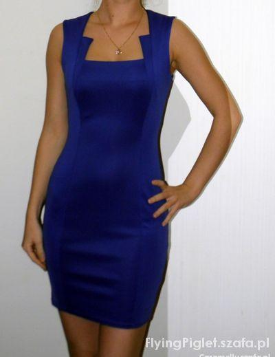 świąteczna kreacja kobaltowa sukienka i dodatki