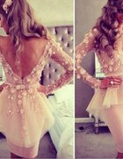 Sukienka z baskina