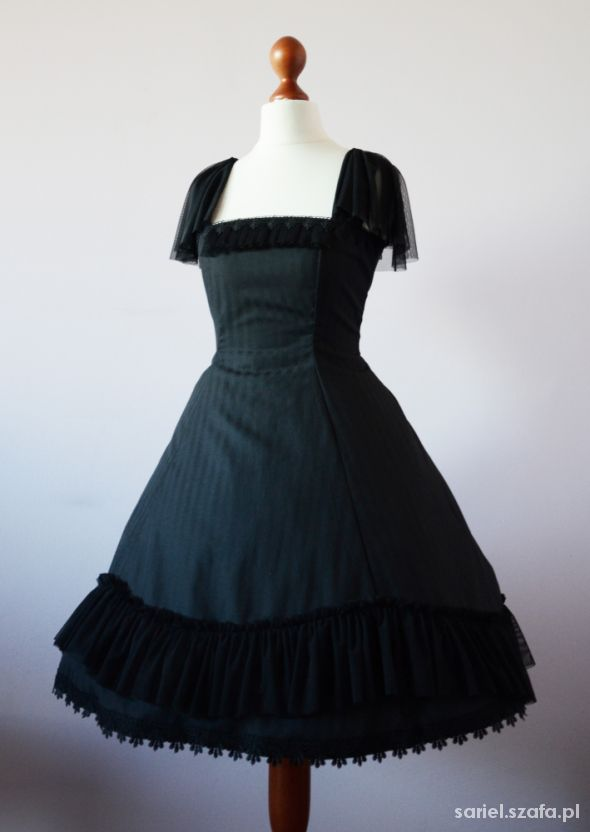 Sukienka gothic lolita w paski