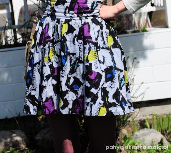 Spódnice Abstrakcja