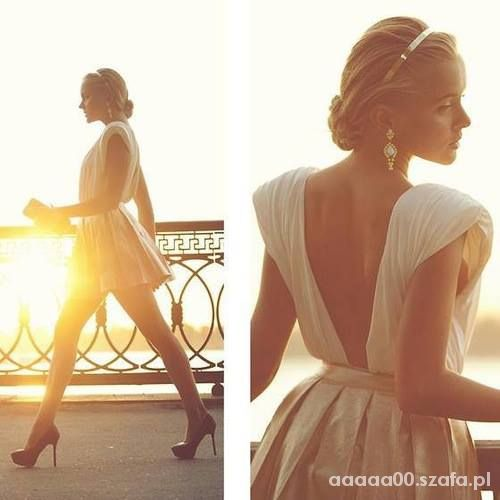 przepiękna sukienka z gołymi plecami...