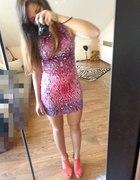 rozowa sukieneczka we wzorki