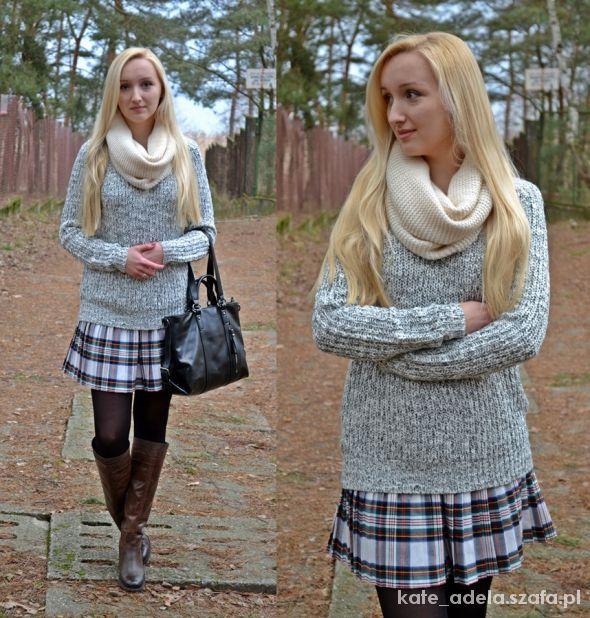 Blogerek tartan skirt and cozy sweater