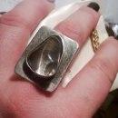 pierścień z kryształem górskim