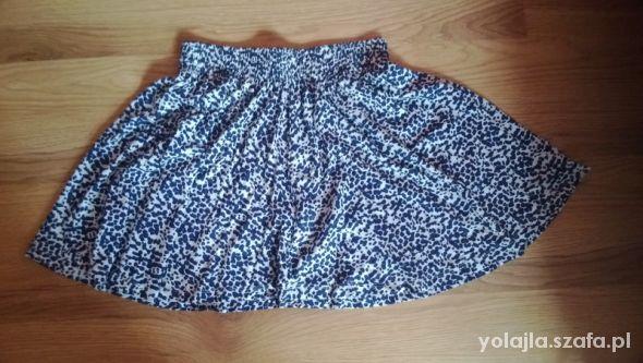 Spódnice rozkloszowana piekna