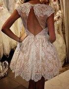 zjawiskowa sukienka w koronkę