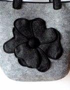 Torebka z filcu z kwiatem...
