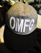 czapka cropp OMFG