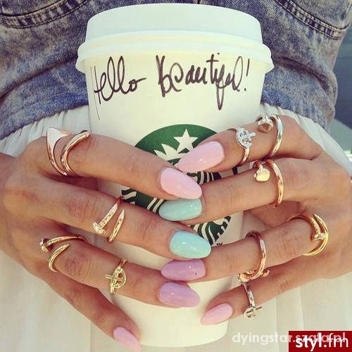 Pierścionki pretty nails starbucks