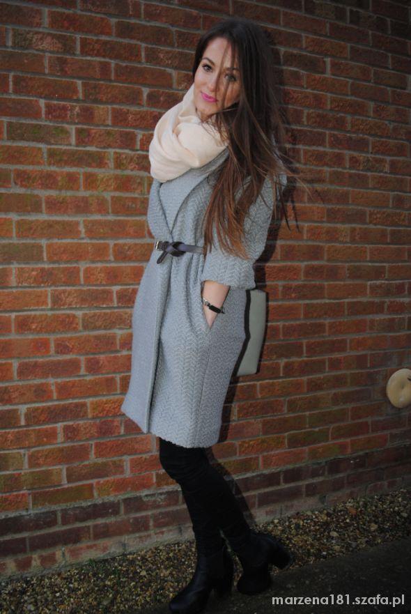 Mój styl siwy plaszczyk