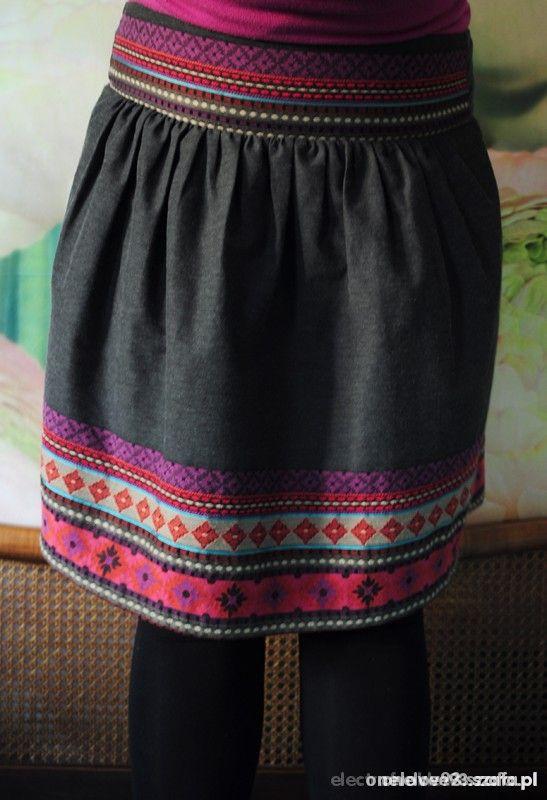 Ubrania spodniczka haftowana spodnica