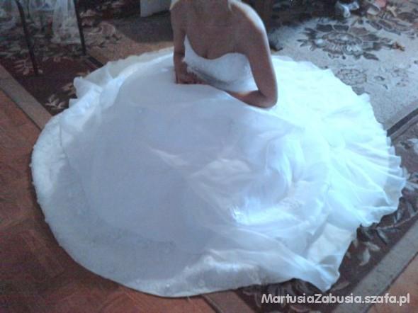 36 38 piękna bogato zdobiona suknia ślubna TREN