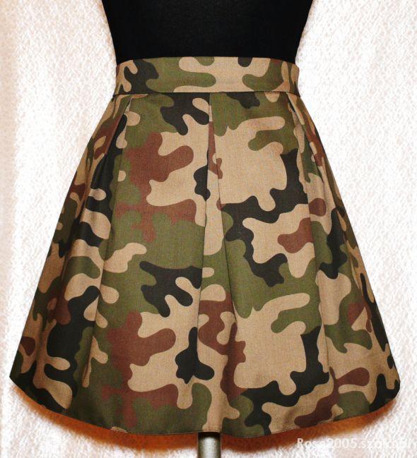 Spódnice Spódnica z zakładkami wzór MORO