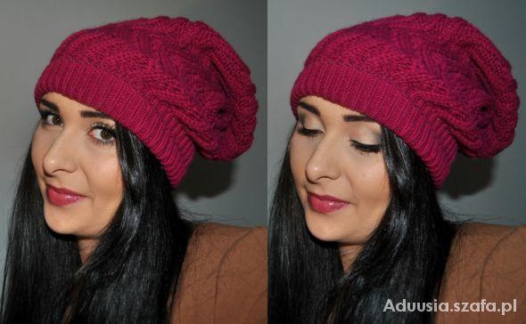 Blogerek usta pod kolor czapki