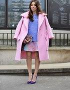 pudrowo różowy płaszczyk