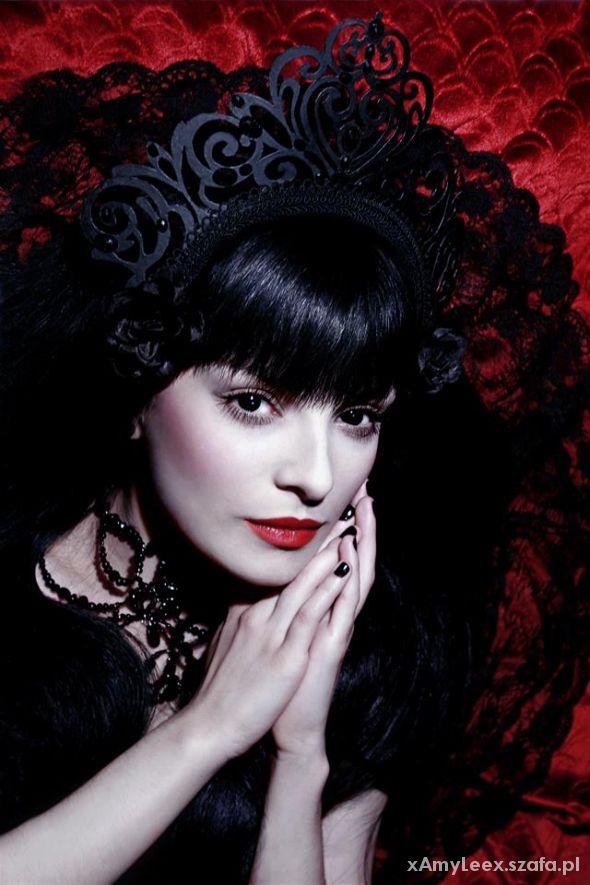 Desdemona deVille...