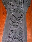 srebrna satynowa sukienka obcisła