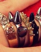 śliczne pierścionki 5 sztuk ćwieki kolce