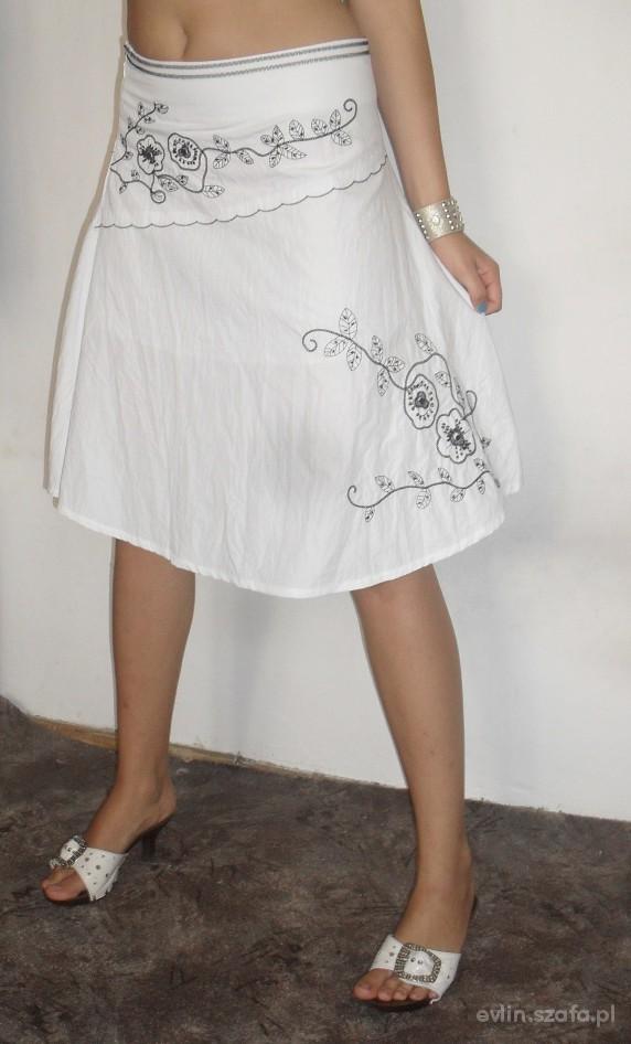 Spódnice Śliczna biała spódnica